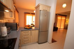 Кухня. Кипр, Писсури : Вилла с бассейном, большой гостиной, 2-мя спальнями, двориком, местом для барбекю, парковкой, Wi-Fi