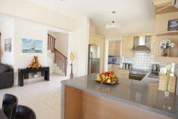 Гостиная. Кипр, Писсури : Вилла с бассейном, большой гостиной, 3 спальни, 3 ванные комнаты, место для барбекю, дворик, парковка, Wi-Fi