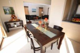 Гостиная. Кипр, Писсури : Вилла с бассейном, большой гостиной, 2 спальни, 3 ванные комнаты, зеленый дворик, место для барбекю, парковка, Wi-Fi