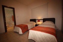 Спальня 3. Кипр, Писсури : Вилла с бассейном и большой зеленой лужайкой, 3 спальни, 3 ванные комнаты, место для барбекю, парковка, Wi-Fi