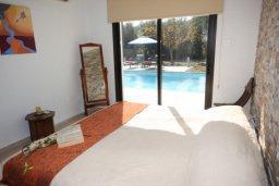 Спальня. Кипр, Писсури : Вилла с бассейном, гостиная, 2 спальни, место для барбекю, зеленый дворик, парковка, Wi-Fi
