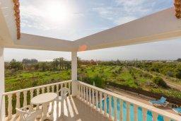 Балкон. Кипр, Пейя : Двухэтажная вилла с бассейном, большая гостиная, 4 спальни, 4 ванные комнаты, дворик, место для барбекю, парковка, Wi-Fi