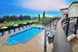 Территория. Кипр, Си Кейвз : Великолепная вилла с видом на море, с 5-ю спальнями, с просторным бассейном, в окружении красивого сада