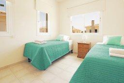 Спальня 3. Кипр, Каппарис : Двухэтажная вилла с бассейном, гостиная, 3 спальни, 3 ванные комнаты, место для барбекю, парковка, Wi-Fi