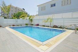 Бассейн. Кипр, Пернера : Красивая двухэтажная вилла с 3-мя спальнями, с бассейном, с просторным приватным двориком и барбекю