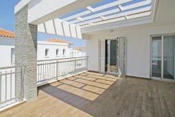 Балкон. Кипр, Пернера : Красивая двухэтажная вилла с 3-мя спальнями, с бассейном, с просторным приватным двориком и барбекю