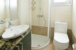 Ванная комната 2. Кипр, Пернера : Красивая двухэтажная вилла с 3-мя спальнями, с бассейном, с просторным приватным двориком и барбекю