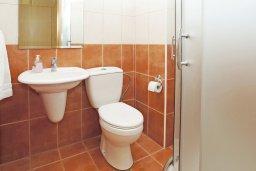 Ванная комната 2. Кипр, Фиг Три Бэй Протарас : Прекрасная вилла с 3-мя спальнями, с просторной террасой, с бассейном, расположена в центре Протараса