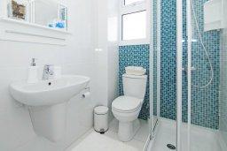 Ванная комната. Кипр, Пернера Тринити : Потрясающая новая двухэтажная вилла с 3-мя спальнями, с бассейном и солнечной террасой с барбекю