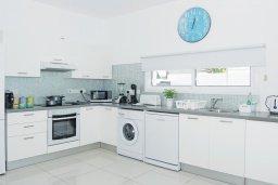 Кухня. Кипр, Пернера Тринити : Потрясающая новая двухэтажная вилла с 3-мя спальнями, с бассейном и солнечной террасой с барбекю