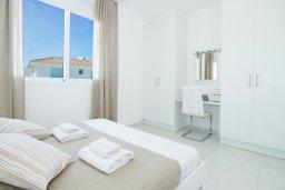 Спальня 2. Кипр, Пернера Тринити : Потрясающая новая двухэтажная вилла с 3-мя спальнями, с бассейном и солнечной террасой с барбекю