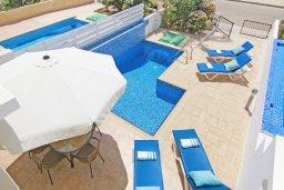 Бассейн. Кипр, Фиг Три Бэй Протарас : Современная двухэтажная вилла с 2-мя спальнями, с бассейном, солнечной террасой, патио и традиционной печью