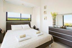 Спальня. Кипр, Коннос Бэй : Двухэтажная вилла на берегу моря с 4-мя спальнями, с бассейном и солнечной террасой