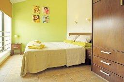 Спальня 2. Кипр, Фиг Три Бэй Протарас : Шикарная вилла с 3-мя спальнями, 3-мя ванными комнатами, с бассейном, в окружении красивого сада, с настольным теннисом, бильярдом и lounge-зоной