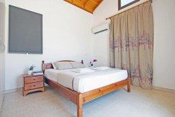 Спальня. Кипр, Ионион - Айя Текла : Новая роскошная вилла с 3-мя спальнями, с бассейном, с традиционной печью и солнечной террасой, расположена в небольшом комплексе в Айя-Текла