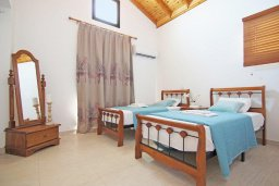 Спальня 2. Кипр, Ионион - Айя Текла : Новая роскошная вилла с 3-мя спальнями, с бассейном, с традиционной печью и солнечной террасой, расположена в небольшом комплексе в Айя-Текла