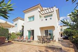 Фасад дома. Кипр, Пернера Тринити : Красивая двухэтажная вилла с 3-мя спальнями, с зелёным двориком и джакузи