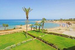 Ближайший пляж. Кипр, Пернера : Современная вилла с видом на Средиземное море, с 3-мя спальнями, 2-мя ванными комнатами, с бассейном, солнечной террасой с патио, lounge-зоной и барбекю, расположена около пляжа Pernera Beach