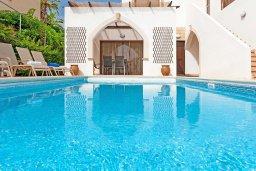 Бассейн. Кипр, Санрайз Протарас : Прекрасная двухэтажная вилла с 3-мя спальнями, с бассейном, солнечной террасой и традиционной печью