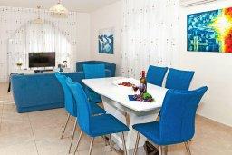 Обеденная зона. Кипр, Санрайз Протарас : Прекрасная двухэтажная вилла с 3-мя спальнями, с бассейном, солнечной террасой и традиционной печью