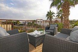Патио. Кипр, Санрайз Протарас : Прекрасная двухэтажная вилла с 3-мя спальнями, с бассейном, солнечной террасой и традиционной печью