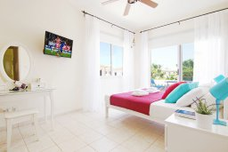 Спальня. Кипр, Каппарис : Потрясающая вилла с 3-мя спальнями, бассейном и двориком с барбекю, расположена в самом сердце Каппариса