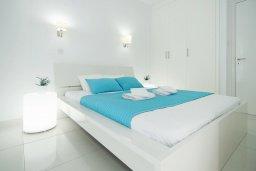 Спальня. Кипр, Фиг Три Бэй Протарас : Очаровательный апартамент с отдельной спальней и балконом с видом на море,  расположен в нескольких минутах ходьбы до залива Fig Tree Bay