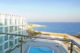 Вид на море. Кипр, Фиг Три Бэй Протарас : Апартамент в 100 метрах от пляжа, с гостиной, отдельной спальней и балконом с панорамным видом на море