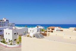 Вид на море. Кипр, Каво Марис Протарас : Пентхаус в 100 метрах от пляжа, с 3-мя спальнями, 2-мя ванными комнатами и балконом с видом на море