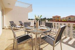 Терраса. Кипр, Нисси Бич : Апартамент с гостиной, отдельной спальней и террасой