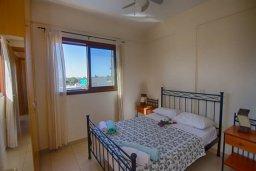 Спальня. Кипр, Нисси Бич : Прекрасная вилла с 3-мя спальнями, с бассейном, солнечной террасой и барбекю
