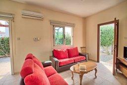 Гостиная. Кипр, Ионион - Айя Текла : Роскошная вилла в окружение пальм, с 3-мя спальнями, с бассейном, lounge-зоной и барбекю