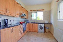 Кухня. Кипр, Ионион - Айя Текла : Роскошная вилла в окружение пальм, с 3-мя спальнями, с бассейном, lounge-зоной и барбекю