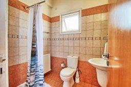 Ванная комната. Кипр, Ионион - Айя Текла : Роскошная вилла в окружение пальм, с 3-мя спальнями, с бассейном, lounge-зоной и барбекю