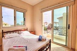 Спальня. Кипр, Ионион - Айя Текла : Роскошная вилла в окружение пальм, с 3-мя спальнями, с бассейном, lounge-зоной и барбекю