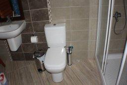 Ванная комната. Кипр, Фиг Три Бэй Протарас : Уютный апартамент с 3-мя спальнями и шикарным видом на море, в комплексе с общим бассейном