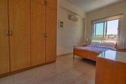 Спальня. Кипр, Коннос Бэй : Уютная вилла с видом на море, с 2-мя спальнями, с бассейном, с солнечной террасой на крыше и барбекю