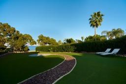 Зелёный сад. Кипр, Фиг Три Бэй Протарас : Шикарная вилла в 100 метрах от пляжа, с 4-мя спальнями, с бассейном и барбекю, расположена в нескольких минутах ходьбы от центра Протараса