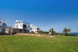 Ближайший пляж. Кипр, Пернера : Шикарная вилла в 50 метрах от пляжа, с 5-ю спальнями, с бассейном, lounge-зоной и солнечной террасой на крыше