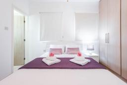Спальня 2. Кипр, Каво Марис Протарас : Шикарная вилла с 3-мя спальнями, 3-мя ванными комнатами, с бассейном и зелёным двориком с барбекю