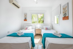 Спальня 3. Кипр, Каво Марис Протарас : Шикарная вилла с 3-мя спальнями, 3-мя ванными комнатами, с бассейном и зелёным двориком с барбекю