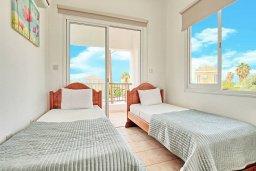 Спальня 2. Кипр, Корал Бэй : Прекрасная вилла с 3-мя спальнями, с бассейном, зелёным двориком и солнечной террасой с патио