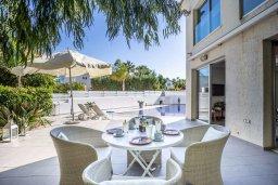 Обеденная зона. Кипр, Каво Марис Протарас : Шикарная вилла с 4-мя спальнями, с большим бассейном и просторным зелёным садом с патио и барбекю