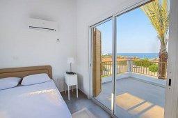 Спальня. Кипр, Фиг Три Бэй Протарас : Прекрасная современная вилла с 3-мя спальнями, с зелёным двориком и барбекю, расположена у знаменитого пляжа Fig Tree Bay