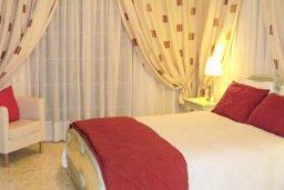 Спальня 2. Кипр, Аргака : Роскошная прибрежная вилла с 6-ю спальнями, с бассейном, зелёным садам с беседкой и барбекю