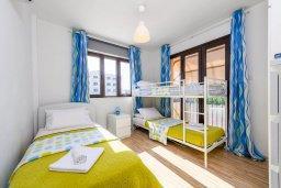 Спальня 2. Кипр, Пернера : Современный апартамент с большой гостиной, двумя спальнями и балконом