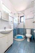 Ванная комната. Кипр, Пернера : Современный апартамент с большой гостиной, двумя спальнями и балконом