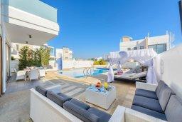 Патио. Кипр, Каво Марис Протарас : Лакшери вилла с видом на море, с 6-ю спальнями, с бассейном с джакузи, тренажерным залом, сауной и lounge-зоной, расположена на собственном песчаном пляже