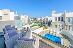 Балкон. Кипр, Каво Марис Протарас : Лакшери вилла с видом на море, с 6-ю спальнями, с бассейном с джакузи, тренажерным залом, сауной и lounge-зоной, расположена на собственном песчаном пляже