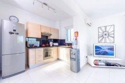 Кухня. Кипр, Каппарис : Роскошная вилла с панорамным видом на море, с 4-мя спальнями, с бассейном и lounge-зоной на крыше